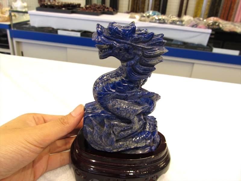 ラピスラズリ龍彫り