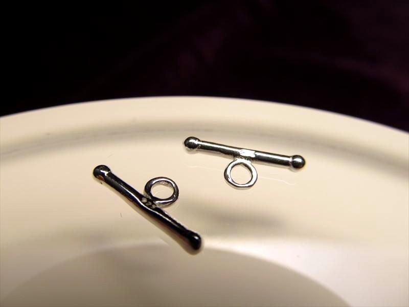◆高品質Silver925パーツ◆使い方様々!手作りアクセサリーのアクセントに!◆1個90円◆カン付きバーコンポーネント◆バーサイズ約13.2mm カン内径約1.5mm◆CMP109◆