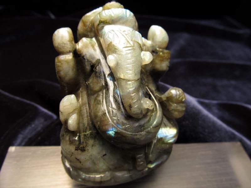 ★人気!夢を叶える象★極上手彫り彫刻★ネガティブパワーの排除★あらゆる障害を除去して成功に導く守り神★1点物★ラブラドライトガネーシャ彫り置物★168.1g★高さ約7cm★