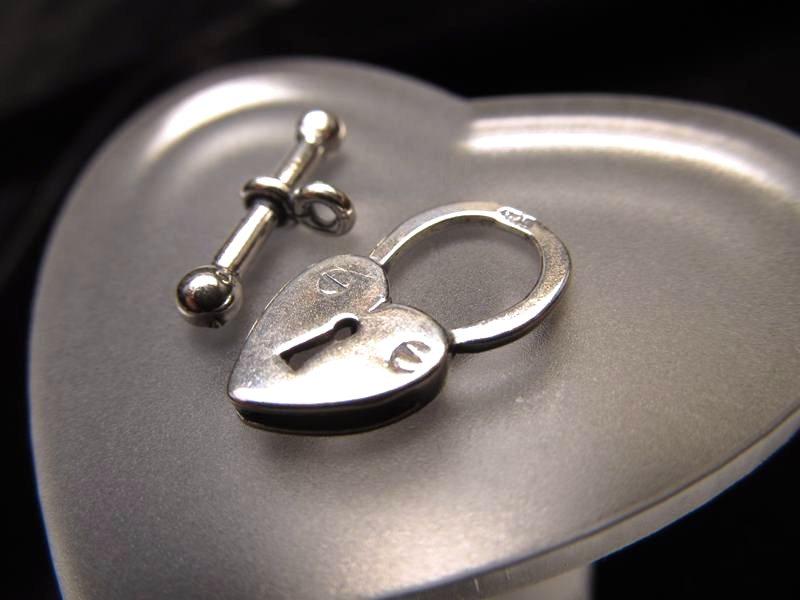 ◆高級・高品質Silver925パーツ◆幅約10mm◆1個1180円◆ハートロックトグル留め金具◆SS004◆