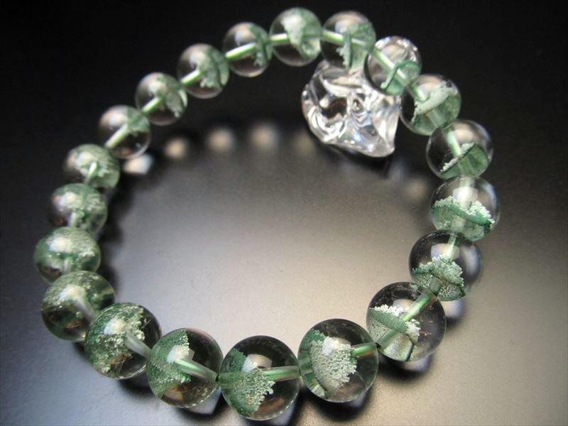 エメラルドグリーンファントム水晶