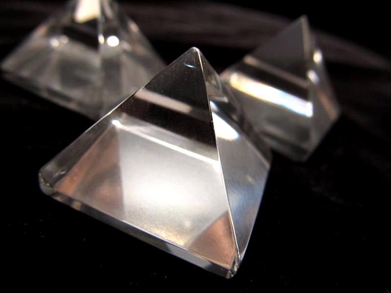 ストーンピラミッド