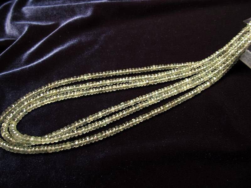 ◆宝石質ネックレス&ブレスパーツ◆宝石質 モスアクアマリン 【0.3mmワイヤー通し 約40cm】◆ボタンカット 約3.5mm◆