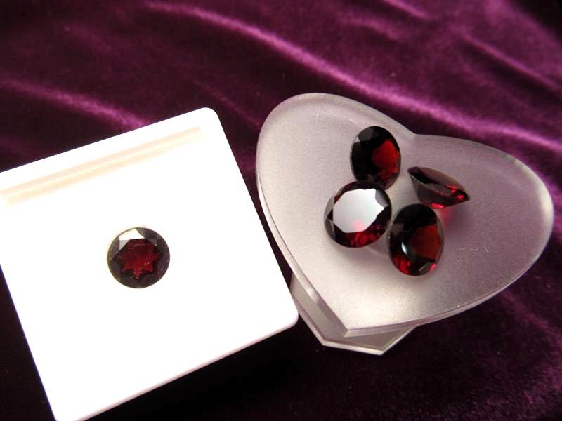 ◆5A・ジェムクォリティー◆1個2000円◆宝石質ガーネット ルース【ラウンドカット】◆サイズ:10×10mm 厚み5mm◆