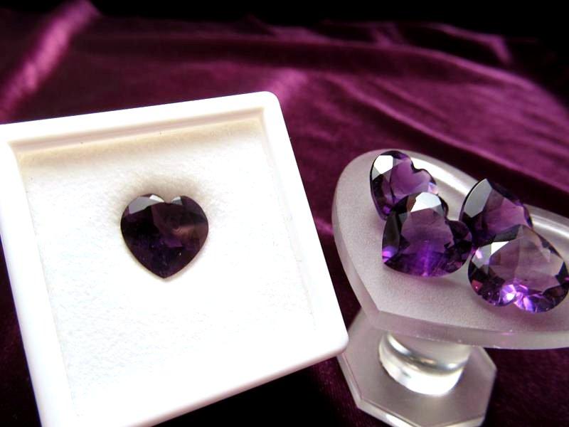 ◆5A・ジェムクォリティー◆1個2000円◆宝石質アメジスト ルース【ハートカット】◆サイズ:11.5×12mm 厚み6mm◆