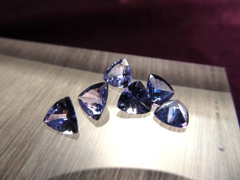 ◆5A・ジェムクォリティー◆5個セット9000円◆宝石質タンザナイト ルース【トリリアントカット】◆サイズ:6mm 厚み3.5mm◆