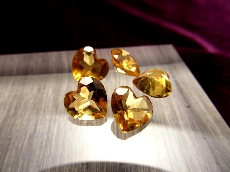 ◆5A・ジェムクォリティー◆5個セット4500円◆宝石質シトリン ルース【ハートカット】◆サイズ:7.5×8mm 厚み4.5mm◆