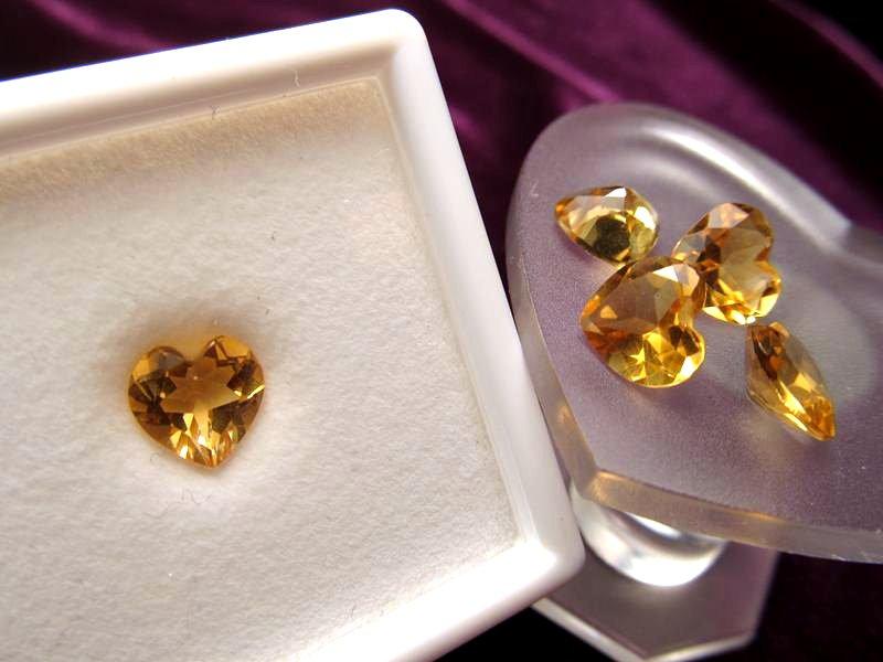 ◆5A・ジェムクォリティー◆1個1000円◆宝石質シトリン ルース【ハートカット】◆サイズ:7.5×8mm 厚み4.5mm◆