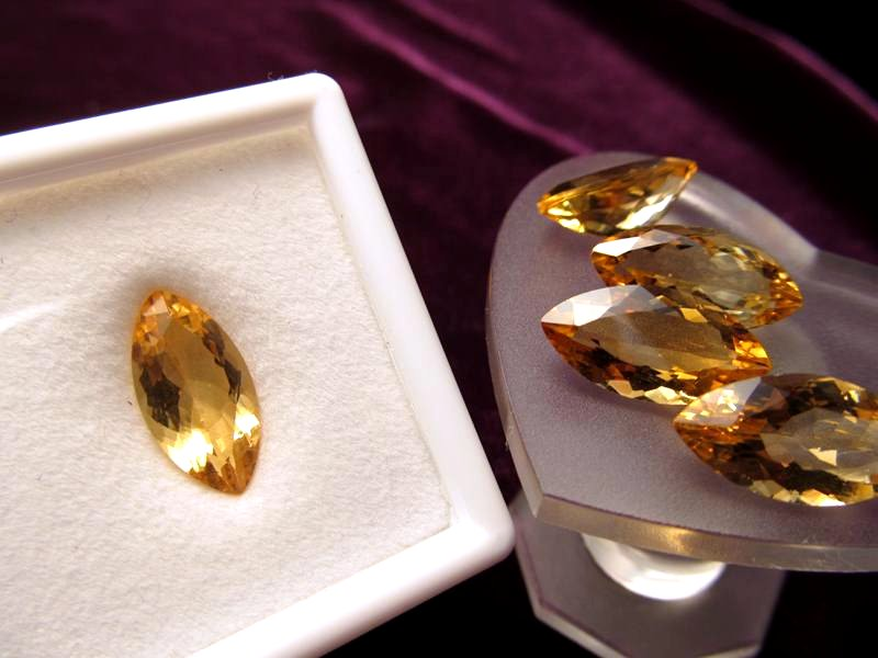 ◆5A・ジェムクォリティー◆1個1500円◆宝石質シトリン ルース【リーフカット】◆サイズ:16×8mm 厚み6.5mm◆