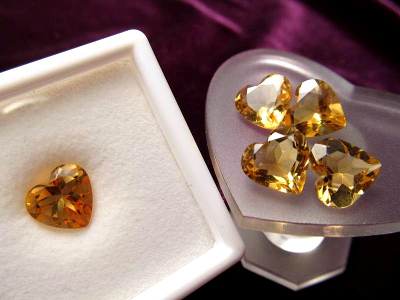 ◆5A・ジェムクォリティー◆1個1500円◆宝石質シトリン ルース【ハートカット】◆サイズ:9×9.7mm 厚み4.9mm◆