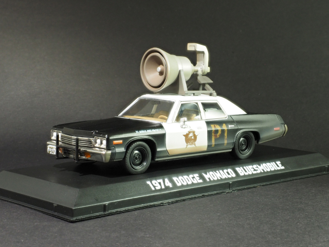 GreenLightダッジモナコ「BluesMobile」1/43_2
