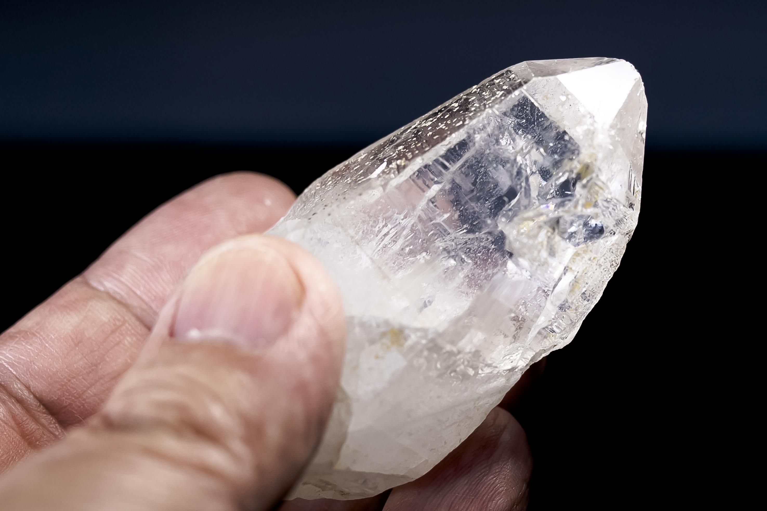ヒマラヤ水晶 ラパ産水晶ポイント ガネーシュヒマール レインボー水晶hgr-45