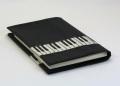 ピアノ鍵盤ブックカバー