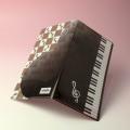 音楽雑貨 見開き チケットホルダー ピアノ ト音記号