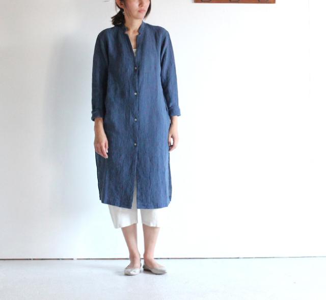 evam eva /エヴァムエヴァ crepe linen robe