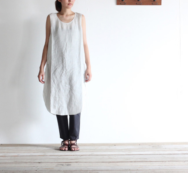 evam eva  エヴァムエヴァ linen sleeveless slit one-piece