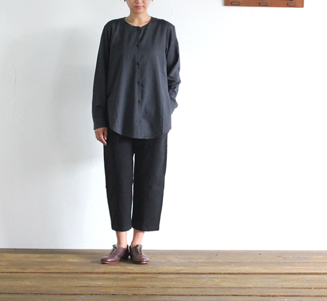 evam eva  エヴァムエヴァ cotton wool slit shirt