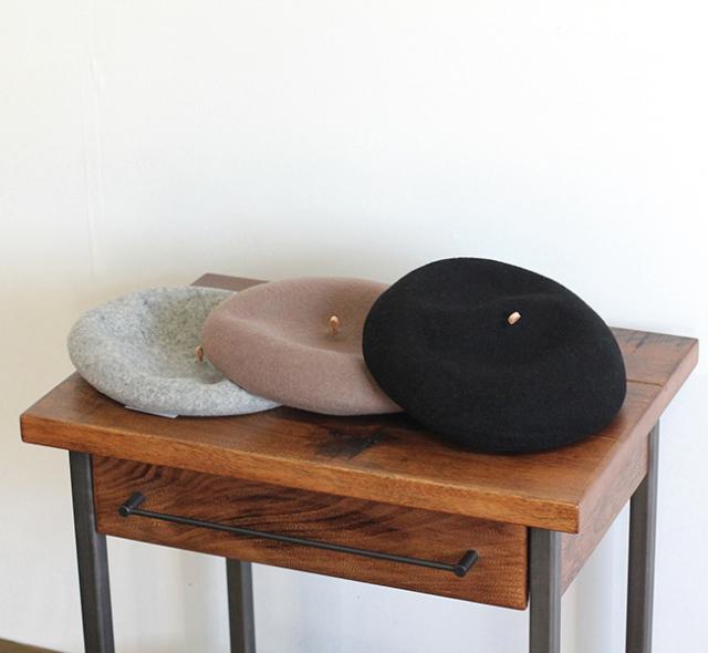 スリープスロープ つまみレザーバスクベレー帽