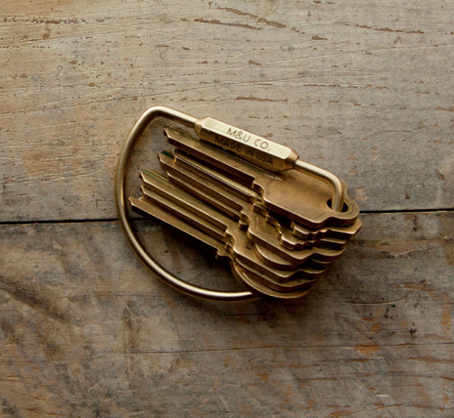 "D-shape Key Ring ""Brass"" D-シェイプキーリング ""ブラス"""