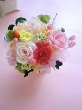 【プリザーブドフラワーギフト】母の日、結婚祝い、お誕生日に最適 ピンクのカーネーションに淡いピンクローズ