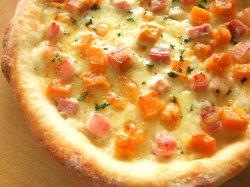 ピザ かぼちゃとベーコンのクリームピザ