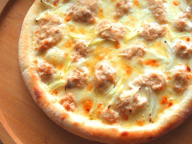 ピザ タルタルツナとオニオンのクリームソース