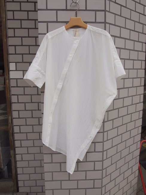 ≪New Arrival≫[送料無料]FORME D' EXPRESSION/ASYMMETRIC OVAL SHIRTS.  [41-171-0001]