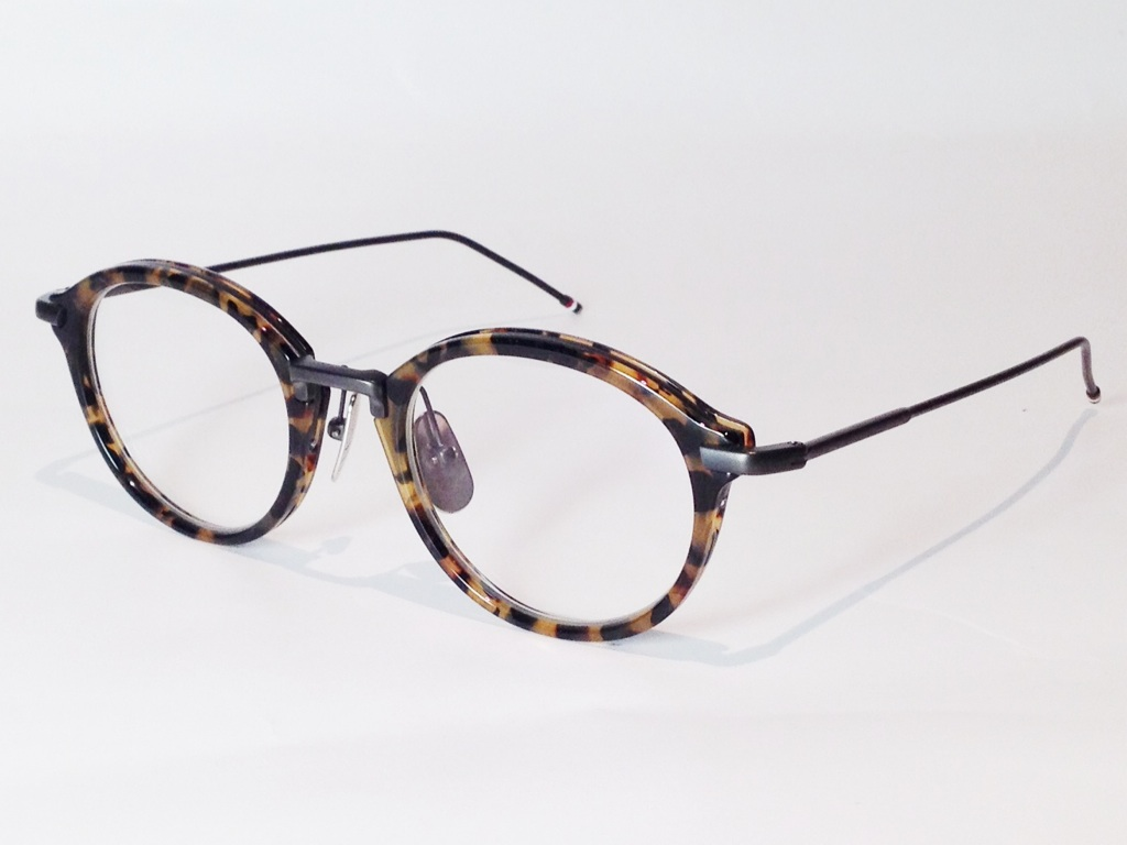 THOM BROWNE(トム ブラウン) TB-011B-49 ( TOKYO TORTOISE - BLACK IRON METAL BRIDGE AND TEMPLES / CLEAR LENS)