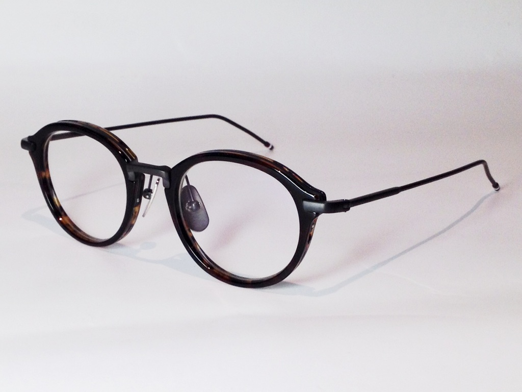 THOM BROWNE(トム ブラウン) TB-011D-46 ( TOKYO TORTOISE with BROWN CLISTALINE/BLACK IRON BRIDGE and TEMPLES )