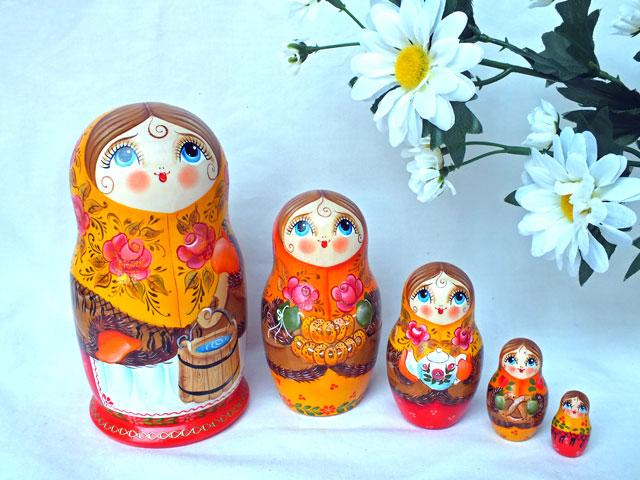 泉のほとりで☆5ピースマトリョーシカ【ロシア雑貨のカチューシャ】