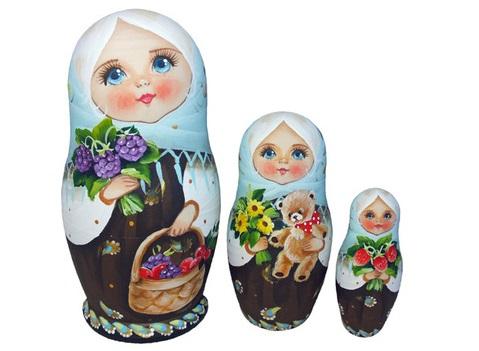 ベリーの収穫★コブロフstudio☆マトリョーシカ3P【ロシア雑貨のカチューシャ】