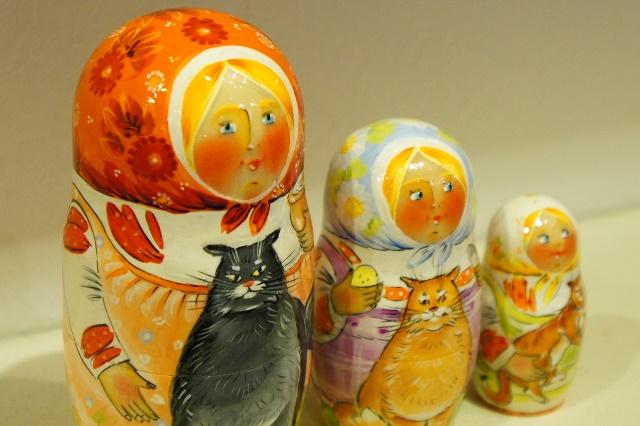 イリーナ&イリーナ作 マトリョーシカ 3ピース <私たちはネコが好き> /11cm