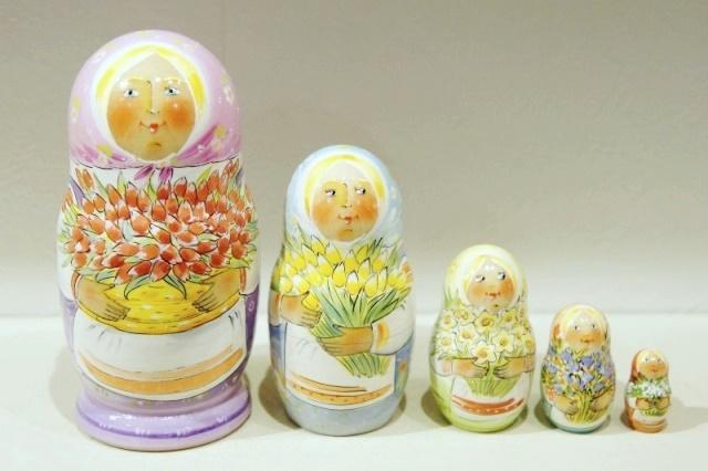イリーナ&イリーナ作 マトリョーシカ 5ピース <春の花たち/ライラック> /12.3cm【送料無料】