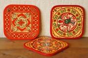 ロシアの伝統的工芸 木製鍋敷き <メゼーニ塗り・プチューガ塗り> 16.5×16.5cm 【レターパックライト送付可】