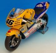 予約品 4月頃 ミニカー ixo(イクソ) 1/12 TRM12001VR ホンダ NSR500 2001 バレンティーノ・ロッシ (Nastro Azzuro) 日本GP仕様 4907981644222