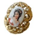 フランスアンティーク リモージュ陶器 貴婦人の肖像画のブローチ兼ペンダントヘッド