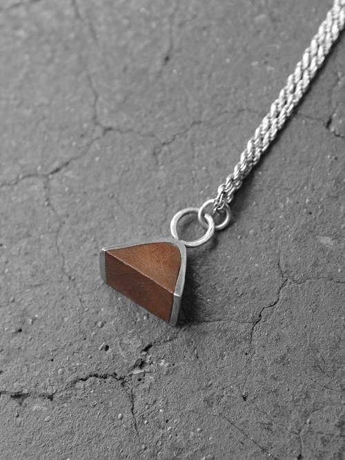 "FABIANO GOULART ""TRIANGLE WOOD&SILVER NECKLACE"" <シルバーネックレス>"
