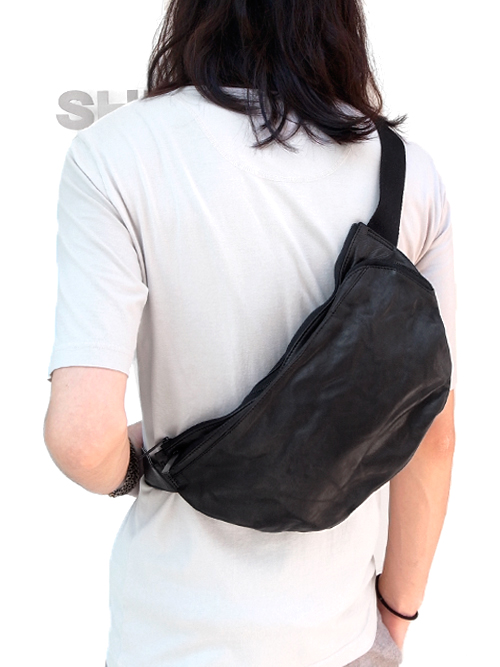 "PATRICK STEPHAN (パトリックステファン) ""Leather-washed bodybag 'zipped twist'"" #142ABG11  <レザーショルダーバッグ>"