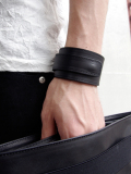 "PATRICK STEPHAN (パトリックステファン) ""Leather bracelet 'ribbon'"" <レザーブレスレット>"