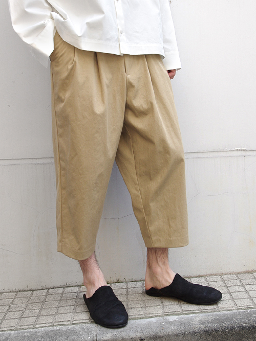 "【18AW】 VOAAOV (ヴォアーブ)  ""nylon cropped pants"" <ワイドクロップドパンツ> - BEIGE"
