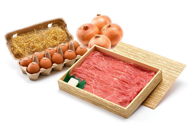【お祝いの定番:厳選淡路牛赤身肉すき焼きに絶品卵と淡路島ブランド玉ねぎ付けて】(送料込)