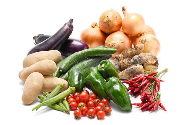 淡路島の市場からその日届いた秋の野菜(淡路島産玉ねぎ付き)を食べるセット