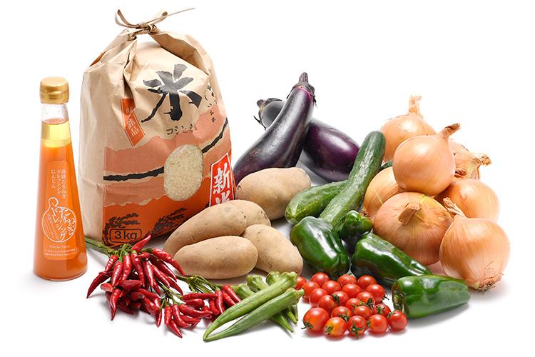 淡路島の新米と市場からその日届いた秋の野菜(淡路島産玉ねぎ付き)を健康玉ねぎ&にんじんドレッシングで食べるセット