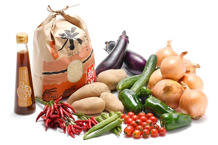 淡路島の新米と市場からその日届いた秋の野菜(淡路島産玉ねぎ付き)を健康玉ねぎドレッシング(ノンオイル)で食べるセット