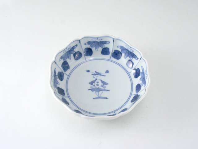 有田焼 青花 花と人形八方割4寸小鉢