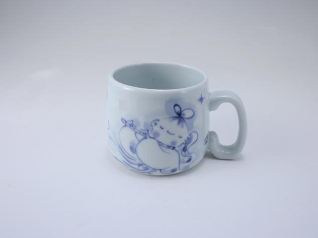笛吹き天女子供用マグカップ しん窯 青花