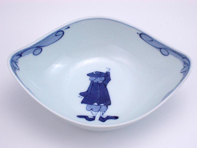 有田焼 青花 カール紅毛人舟型中鉢