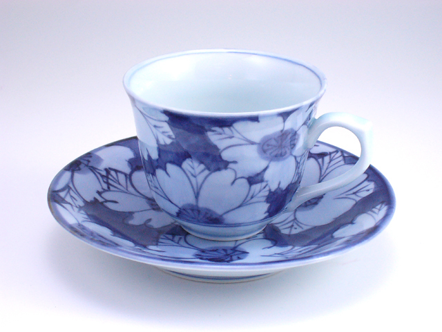 花濃百合型コーヒー碗皿 しん窯 青花