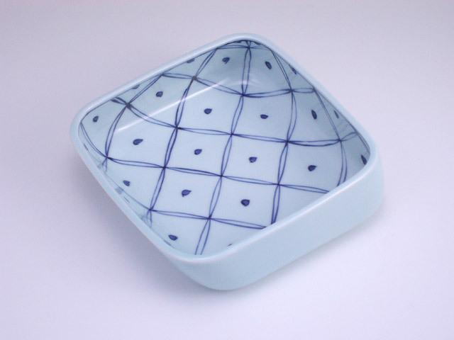 有田焼 青花 七宝地紋すくい易い小鉢