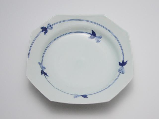 有田焼 青花匠 つるりんどう隅切7.3寸皿